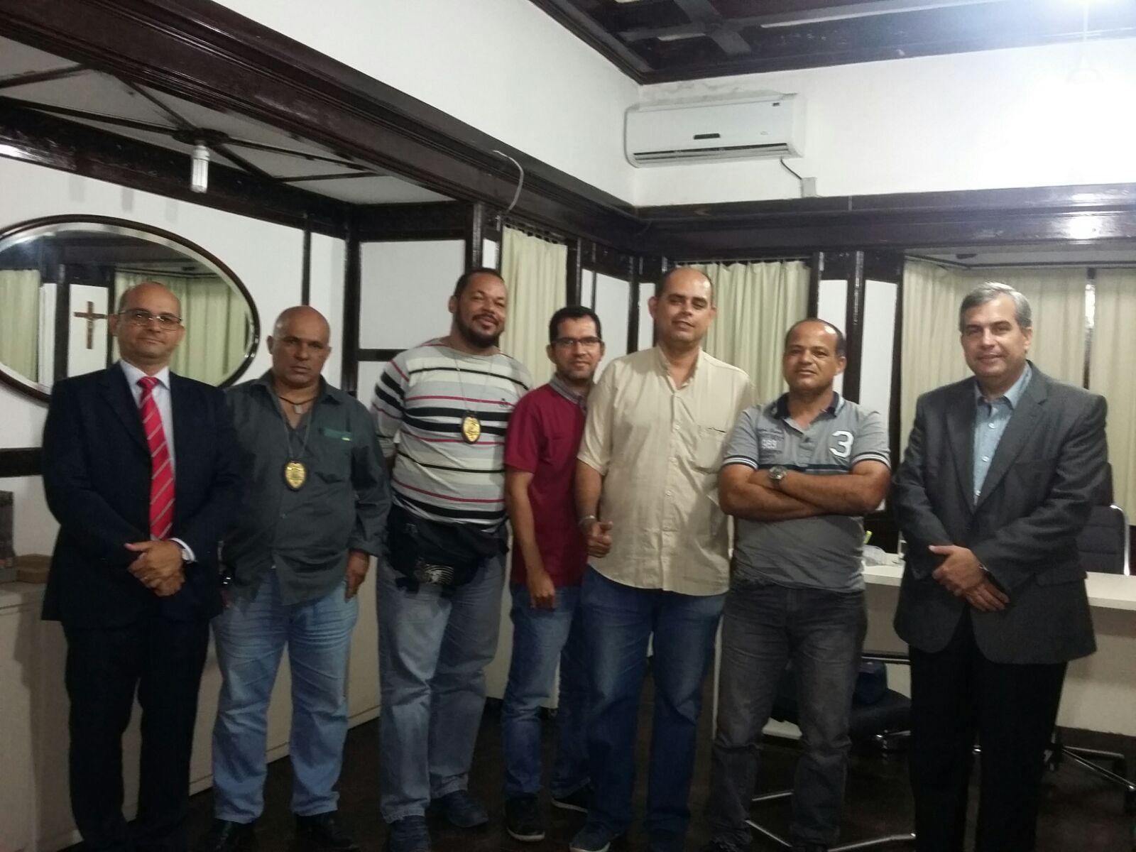 Photo of REUNIÃO CONJUNTA COM O SINDASP-PE, AGENTES DA PENITENCIÁRIA PROFESSOR BARRETO CAMPELO E SECRETÁRIO DA SERES, CEL-PM VESPAZIANO