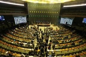 BRASILIA DISTRITO FEDERAL 30/05/2017 -  NACIONAL - CONGRESSO -SESSÃO CONJUNTA entre Senado e Câmara no Plenário da Câmara dos Deputados - Foto: NILTON FUKUDA/ESTADAO