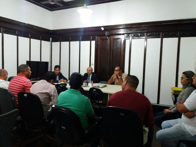 Photo of AGENTES PENITENCIÁRIOS DA PENITENCIÁRIA PROFESSOR BARRETO CAMPELO JUNTO COM O SINDICATO REUNIU-SE COM O SECRETÁRIO EXECUTIVO DE RESSOCIALIZAÇÃO PARA TRATAR ASSUNTOS DE CONDIÇÕES DE TRABALHO