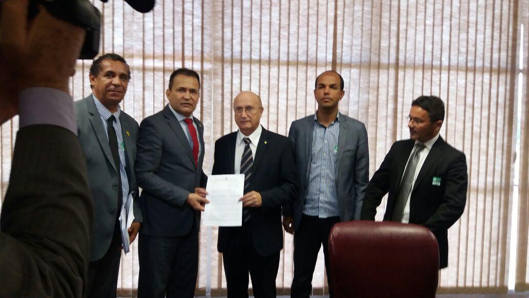 Photo of FENASPEN se reúne com Ministro da Justiça e Segurança Pública e cobra aprovação da PEC 308/2004