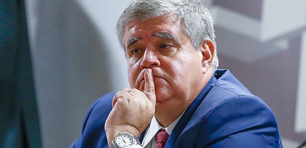 Photo of Governo avalia regra mais branda para agente penitenciário na aposentadoria