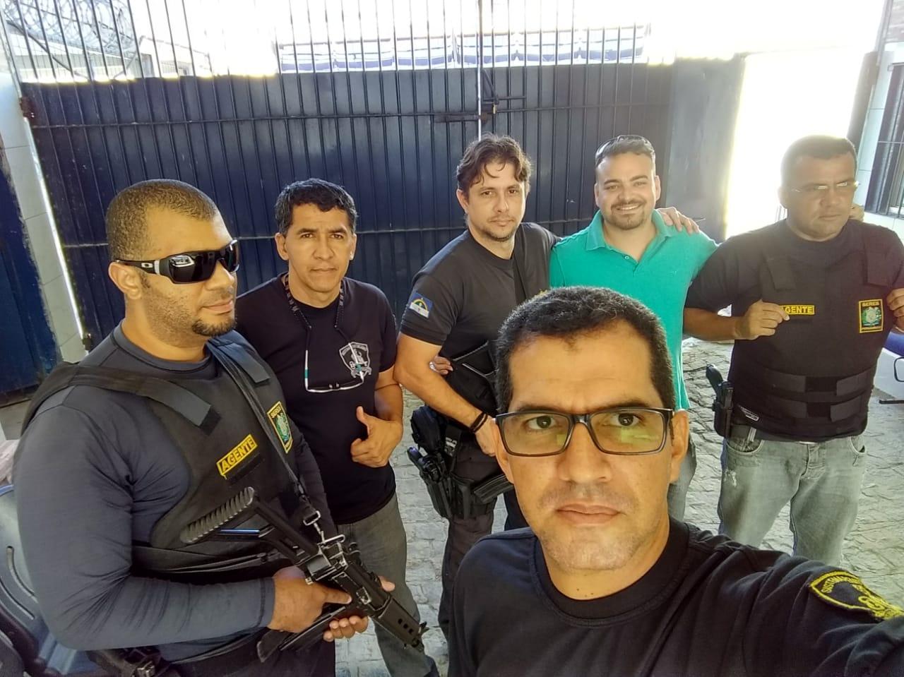 Photo of DIRETOR DE BASE DO SINDASP – PE MELK VISITOU SETORES E UNIDADES DO COMPLEXO CURADO PARA OUVIR A CATEGORIA